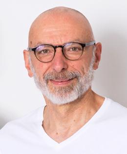 Dr. med. Axel Adam